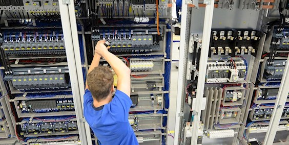 Elektroniker für Informationsfür u. Telekommunikationstechnik