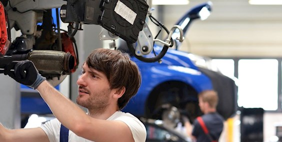Karosserie- und Fahrzeugbaumechaniker