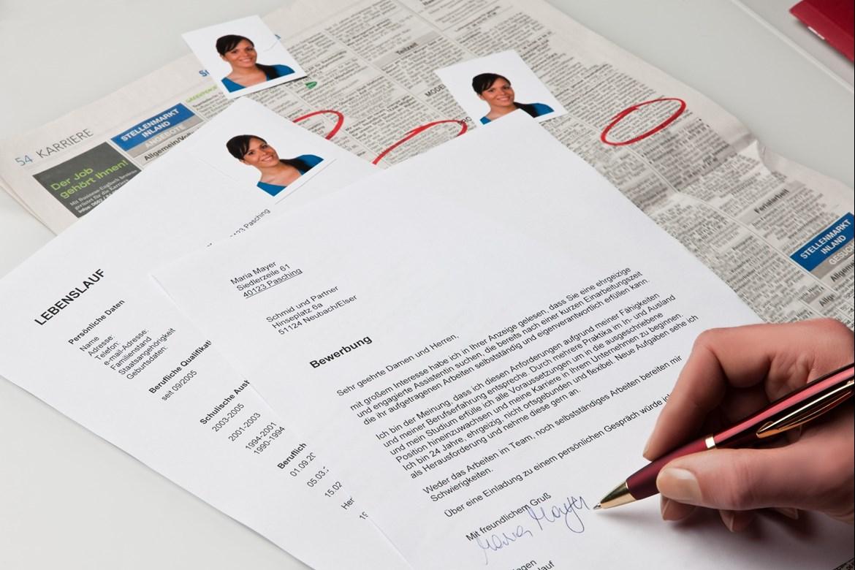 Bewerbung und Lebenslauf unterschreiben | AZUBIYO