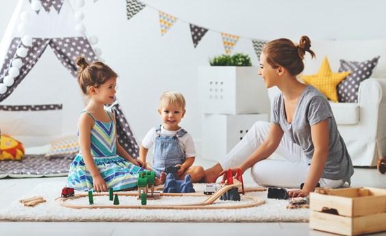 berufe mit menschen p dagogische berufe infos freie stellen azubiyo. Black Bedroom Furniture Sets. Home Design Ideas